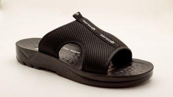 AE1 - Aerosoft Black Slip-on